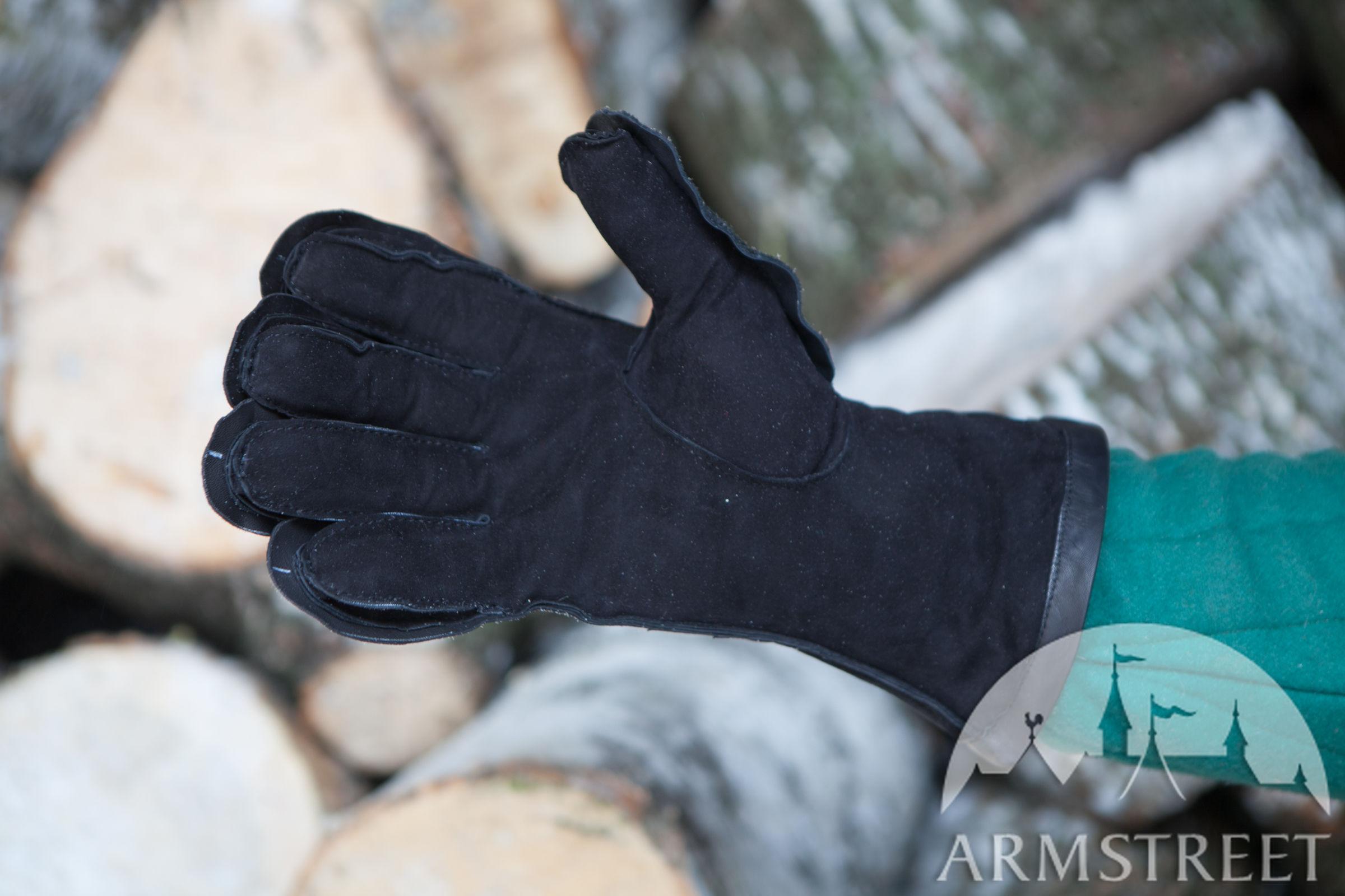Gepolsterte innere Handschuhe . Vorhanden in: rötlich braunes leder ...
