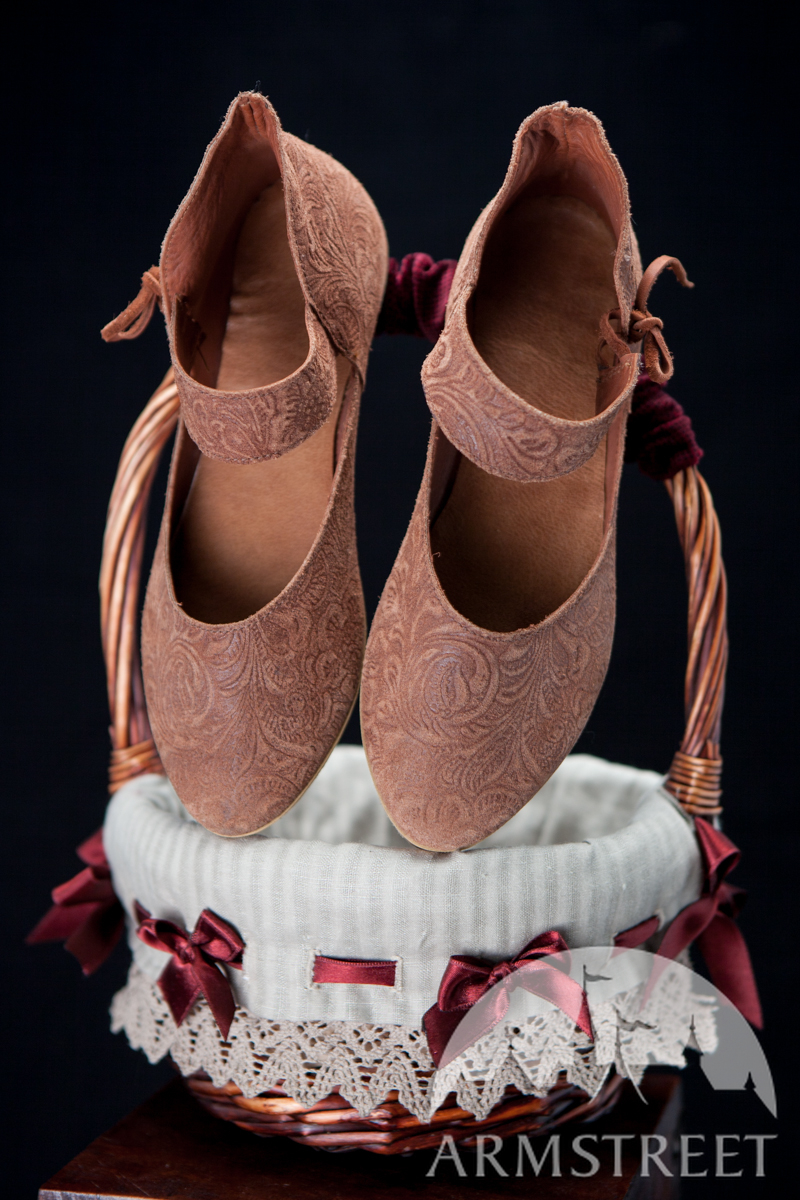 Schuhe Mittelalter Frauen