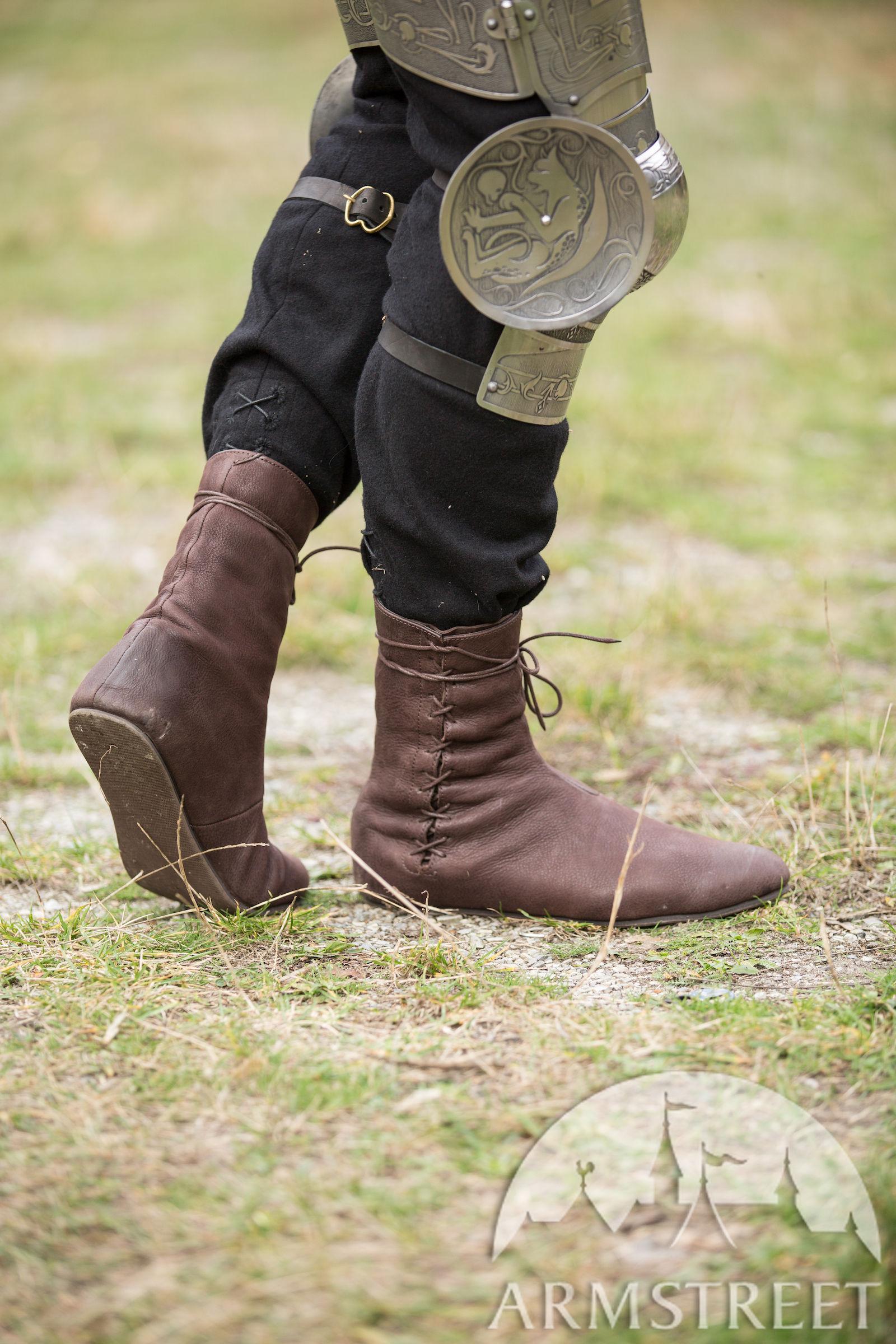 4b1312bd092d6 Mittelalter Stiefel Mit Schnürung kaufen. Vorhanden in  mattes braunes leder